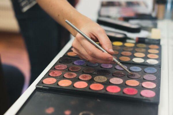 maquillage entrepprise party fete professionnel rendez vous neuchatel suisse